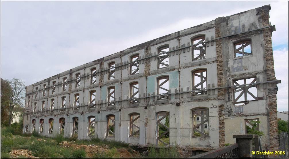 La façade de l\'ancienne maison de retraite des frères - Carnets de ...
